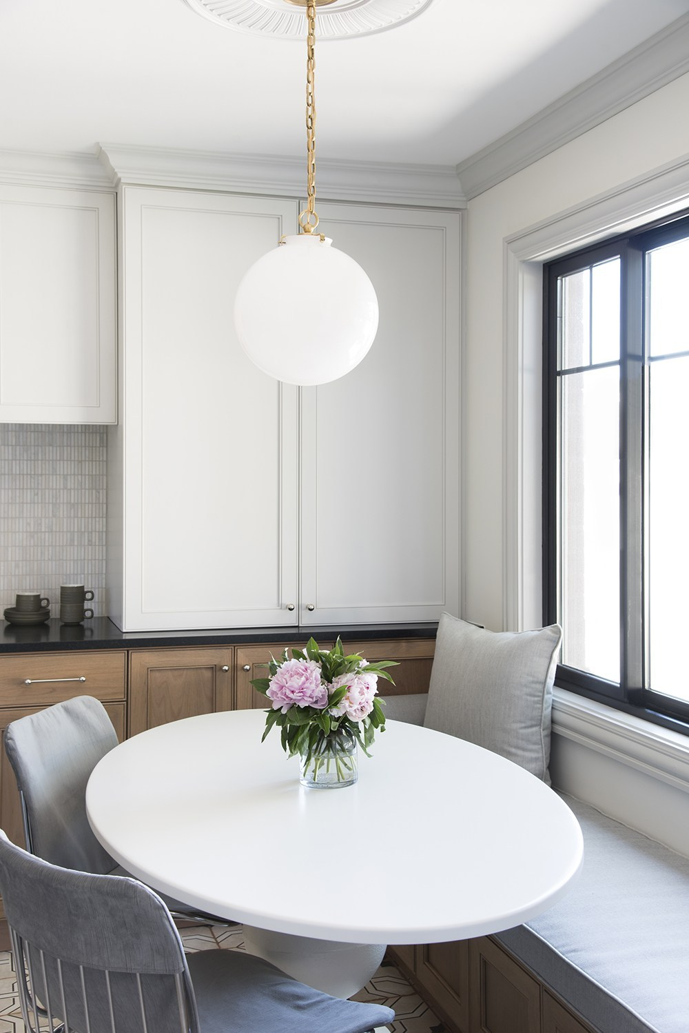 Noteworthy : Spring Cleaning and Home Updates - roomfortuesday.com