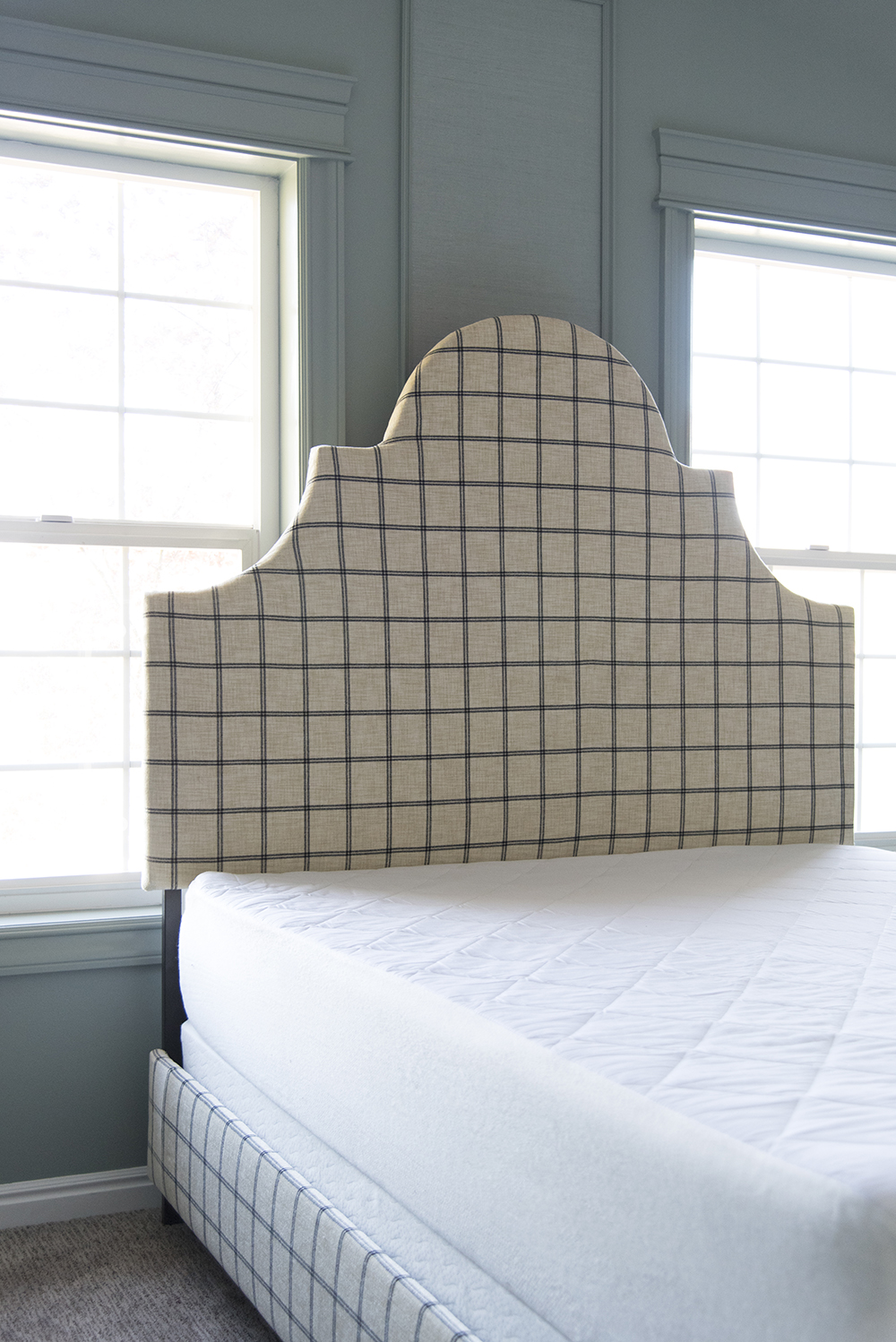 DIY Upholstered Bed - roomfortuesday.com