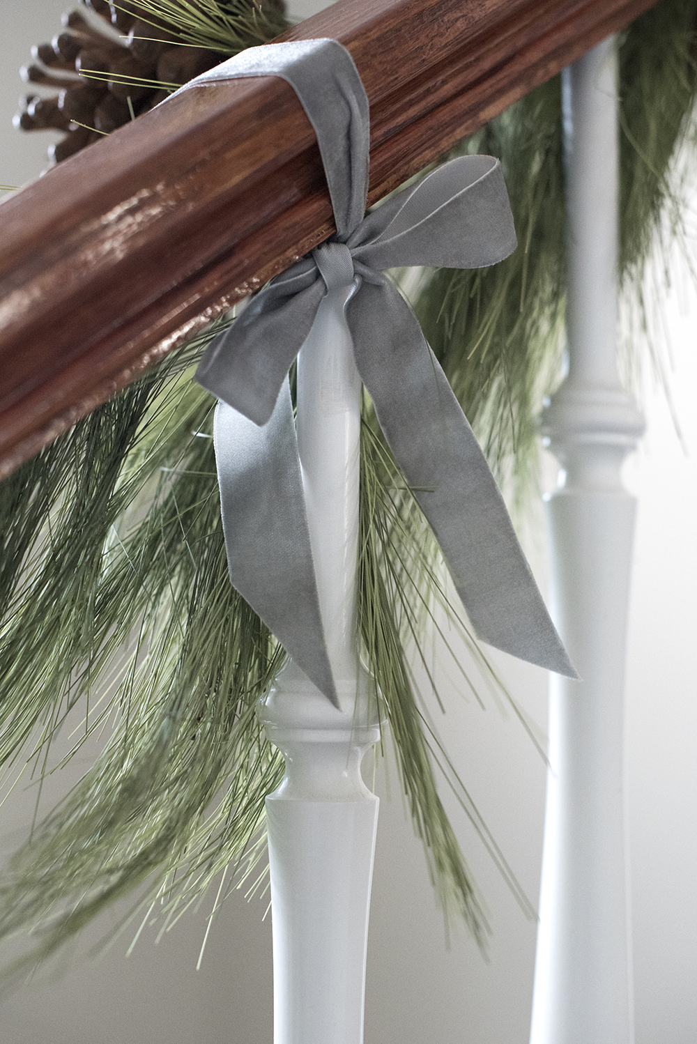 The Best Faux Trees, Garland, & Holiday Wreaths - roomfortuesday.com