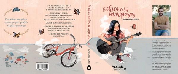 Cubierta completa: chica de pelo moreno sentada en el suelo con las piernas cruzadas y mirada triste; en la contra, una bicicleta infantil abandonada. Hay mariposas y juguetes tirados en la habitación
