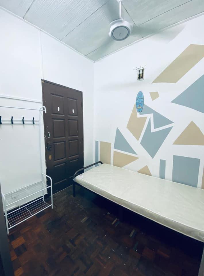 Medium room for rent at , Bandar Botanik, Klang