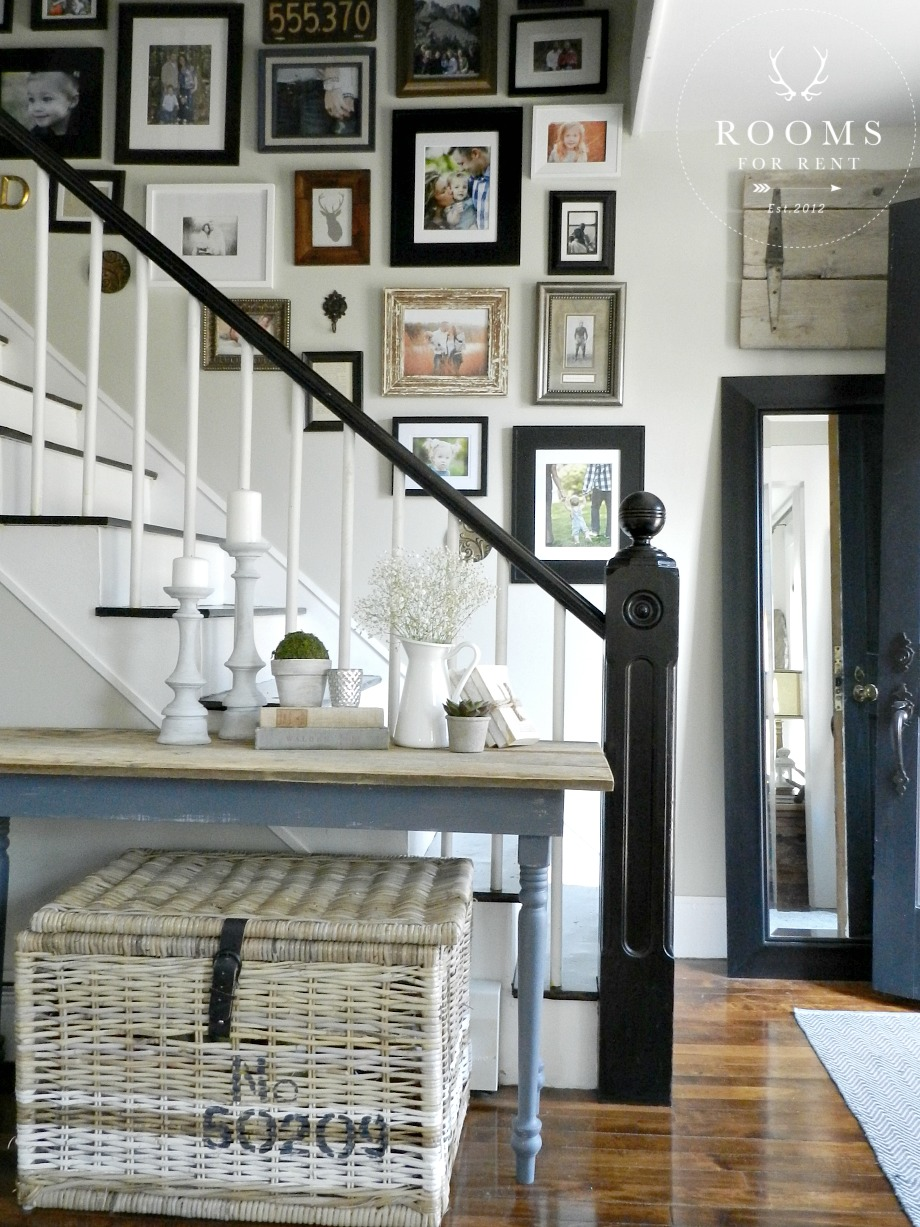 stairway_gallery_wall