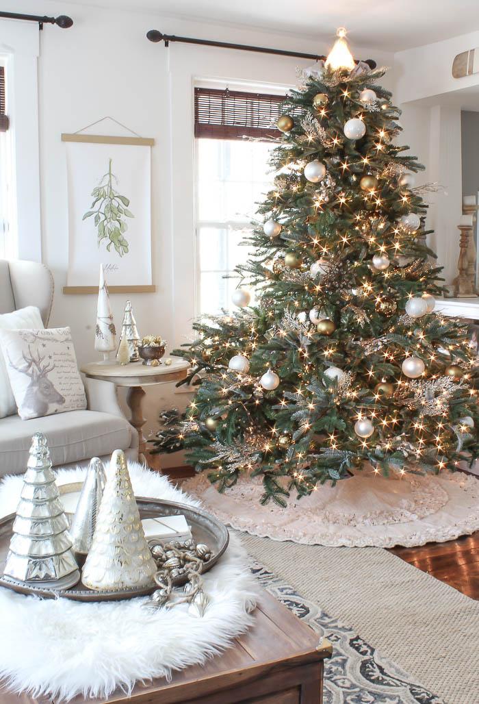 Seasons Of Home | Christmas Living Room | Rooms FOR Rent Blog
