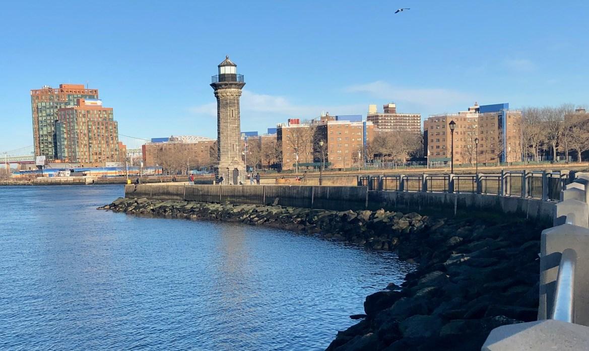 Roosevelt Island Lighthouse on a Sunny Winter Sunday Afternoon