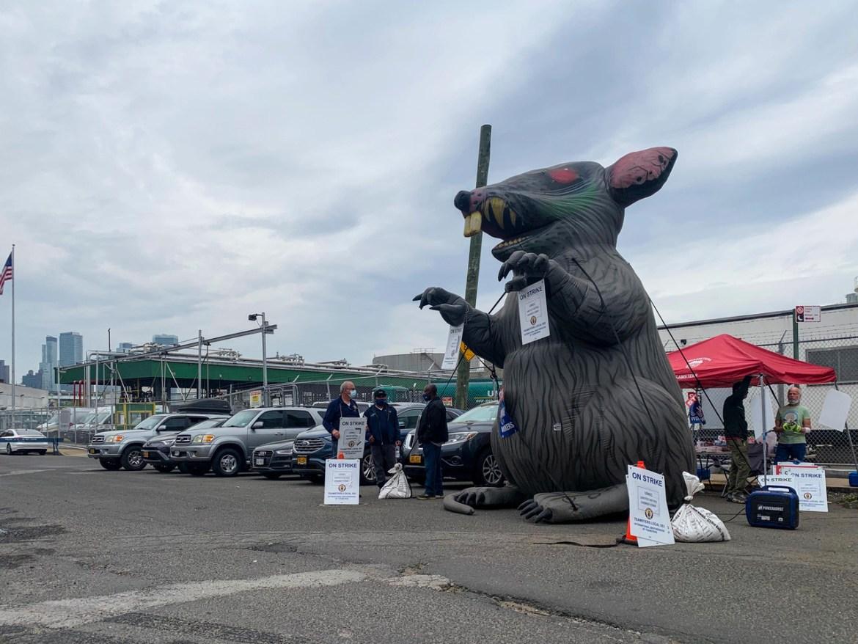Brooklyn Oil Workers Hope Strike Puts Heat on Billionaire Boss Catsimatidis