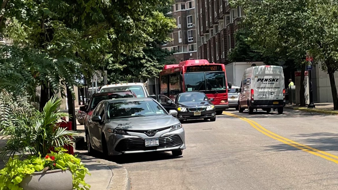 UPDATED: Parking Craziness, Roosevelt Island Is Overloaded with Cars