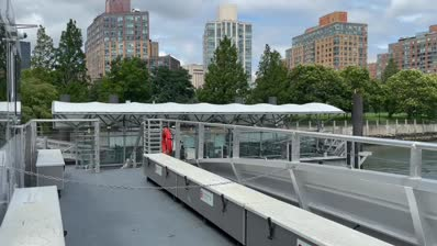 A very happy anniversary. 4 years ago, the NYC Ferry opened on Roosevelt Island