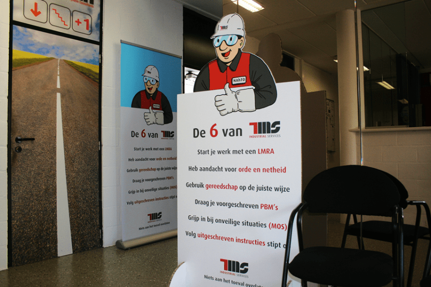 TMS-Nahto-preventiedienst-roll-up-banner-display-kartonnen-lifesize-cutout TMS industrial services