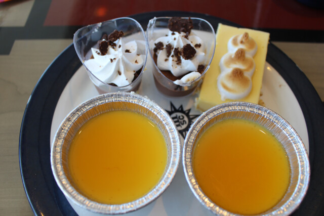 Cruise ship desserts. Mmmmm flan.