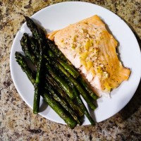 Lemon Garlic Salmon & Asparagus