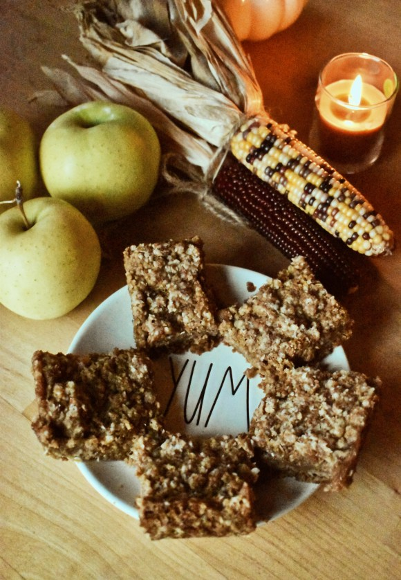 Apple Oat Crumble Bars