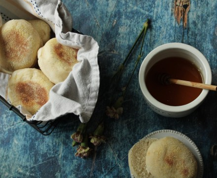 Sourdough English Muffins {Vegan}