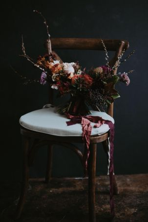 textural, raw, and bold bouquets, centerpieces, and installations