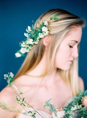 bridal-combs-crowns-roots-floral-design-3