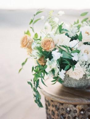 wedding-centerpieces-roots-floral-design-1