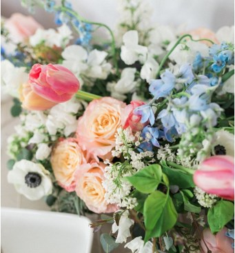 wedding-centerpieces-roots-floral-design-17