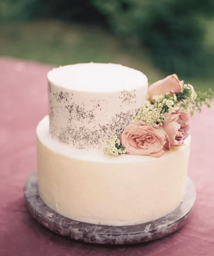 Louisville Wedding Florist | Cake Flowers