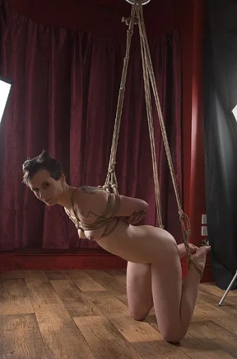 Hard on the knees partial shibari bondage rope suspension
