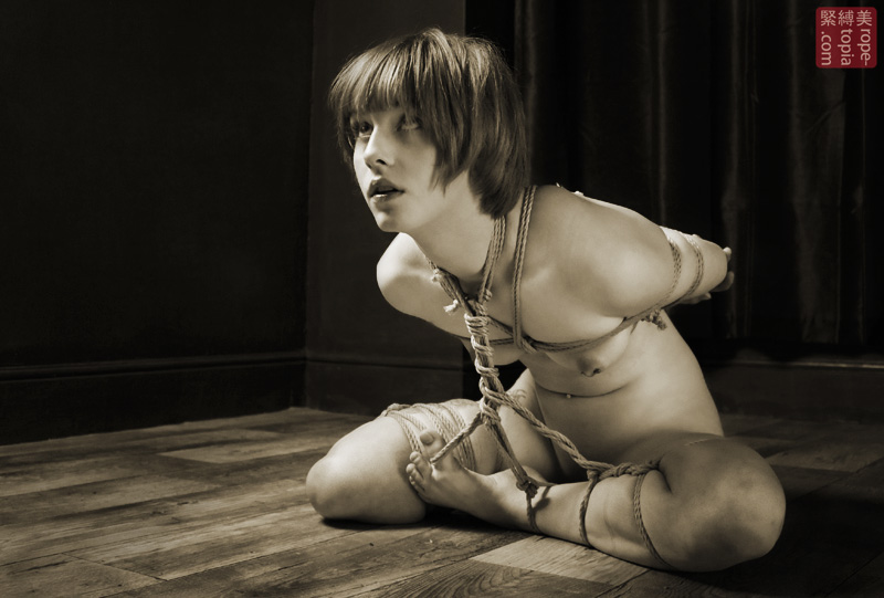 Modified ebi-shibari bondage.