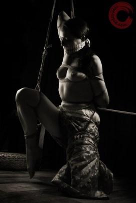 Teppou Shibari, assymetric bondage, gagg, bound, kimono, partial suspension.