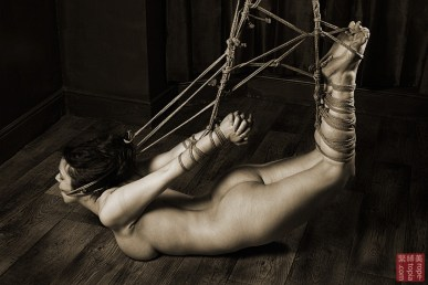 Beauvoir Fetish Shibari 緊縛 縛り 拘束 縄 Stong tie