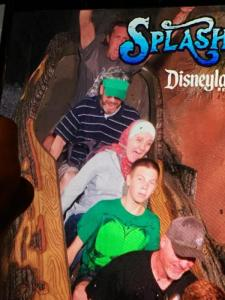 THE Splash Mountain Picture (image via Howie)
