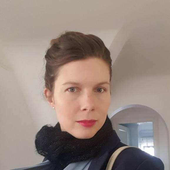 headshot of Julia Gustavsen