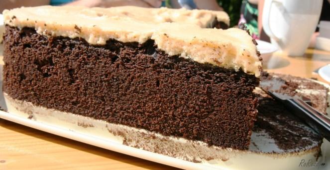 Dr allercoolste Schokoladenkuchen mit Erdnussbutterglasur - Sommer in der kleinen Bäckerei am Meer