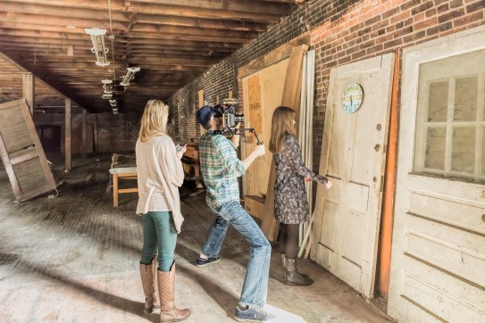 we also filmed in the abandoned building on this day too. shout out to our friend Cheyenne for helping us find this building! it was super cool and everything in the room was already there. // http://www.openvalvestudios.com/