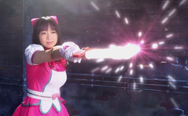 377 絶対的美少女が戦士になりすます♡ヒーロースーツに着替えても悪に屈して犯されてしまう!@sharevideos