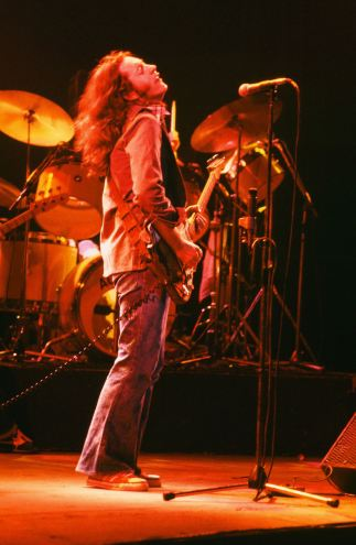 Rory Gallagher c1979 Manchester by Steve Smith (18)