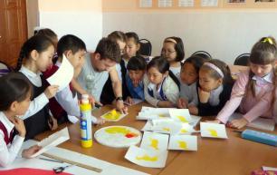 Rory McCann hand painted mural wildlife art school painting (45)