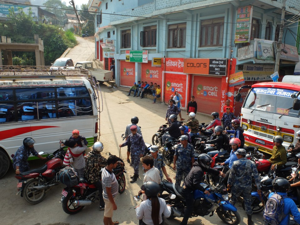 nepal essence petrole pretrol crisis crise
