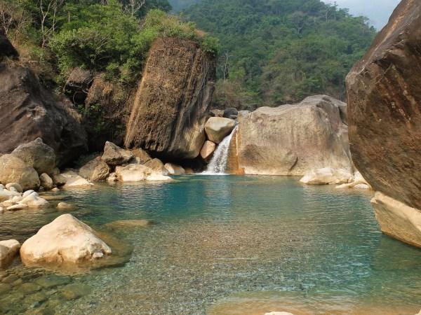 Meghalaya #1 : ponts de racines et piscines naturelles à Cherapunjee