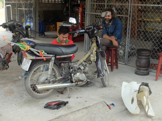 J13 Laos-7