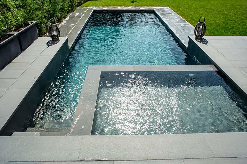 De qu color se ver el agua de mi piscina