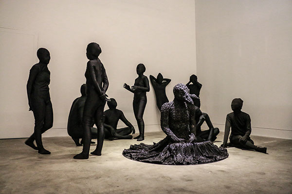 artist rook floro anxiety sculpture.with performers