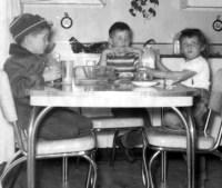 Prescos 1950 Mark, Greg & Christine at kitchen table ...