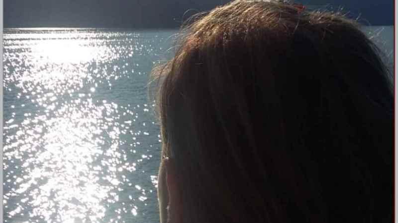 """Sola – Primo della trilogia """"Voci dal fondo"""""""
