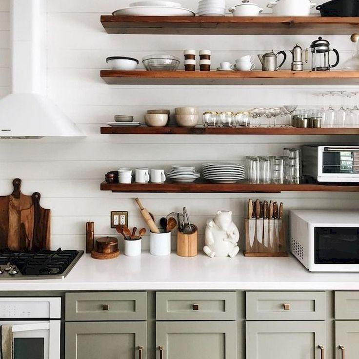 cucina basi grige mensole legno