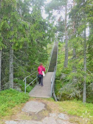 Lena an Treppe