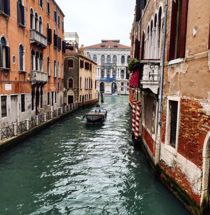 คลองสวยๆของเวนิสระหว่างทาง