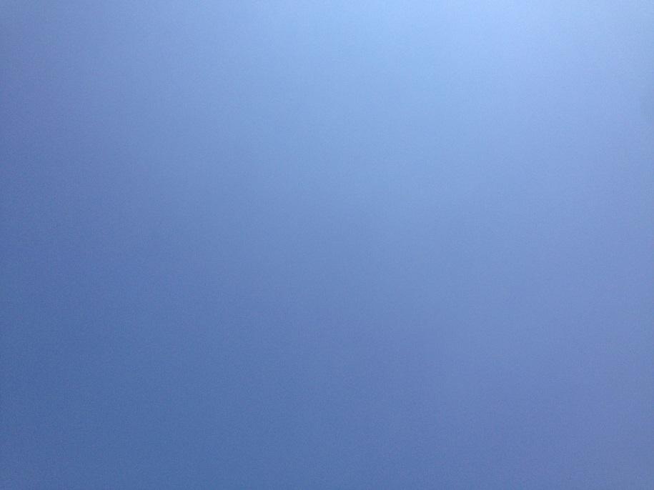 真夏の雲ひとつない快晴の空