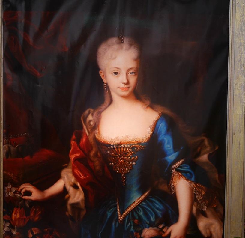 18世紀半ばのオーストリア・神聖ローマ帝国の女帝「マリア・テレジア」(少女時代)の油絵。
