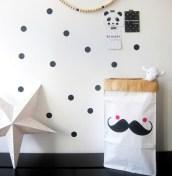 Moustache, 15€