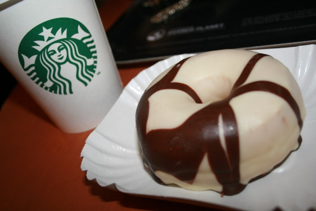 Starbucks donuts paris