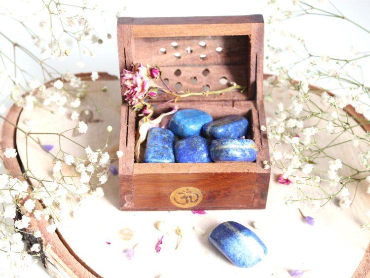 Pierre précieuse de Lapis-Lazuli bleu
