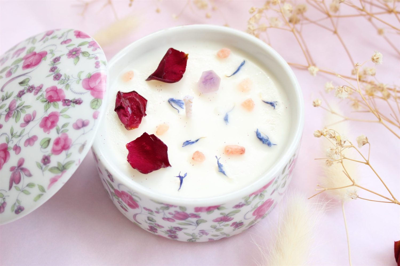 Bougie Précieuse Rose Iris et Améthyste