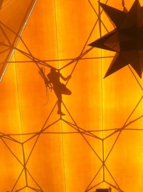 Pyramid climber
