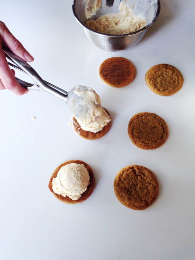 Rose-city-style-guide-shelby-sweet-shop-recipe-fall-dessert-pumpkin-ice-cream-sandwiches-contributor-fashion-and-lifestyle-blog-windsor-ontario-canada-best-blog